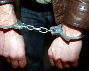 Om bătrân şi fără minte – Închis pentru că a furat cinci cărămizi