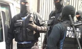Trupele de mascati luate la bataie in Arges - S-au tras focuri de arma