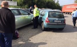 Şofer începător a avariat 7 maşini într-un accident în lanţ