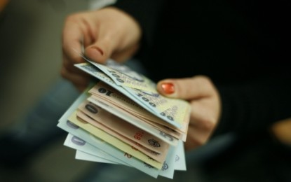 EFECTUL POMENILOR ELECTORALE Guvernul ingheata salariile bugetarilor VEZI CINE SCAPA