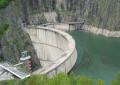 EXCLUSIV! Trei tineri la un pas de moarte – Masina le-a fost inghitita de Barajul Vidraru