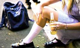 Mai mult în baruri decât la şcoală -Elevii judeţului au petrecut prima săptămână de ore la bere şi cafea