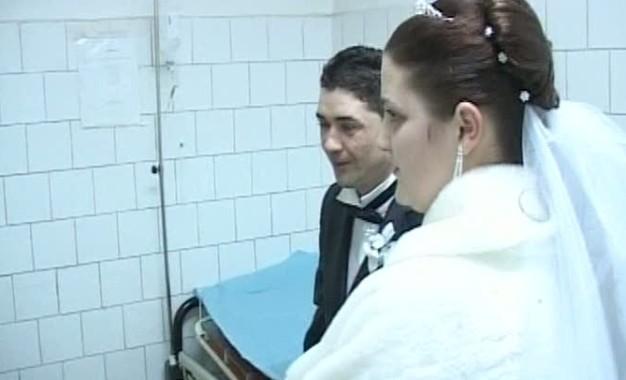 De la nunta la spital ! Zeci de nuntasi din Arges in frunte cu mireasa au ajuns la urgente intoxicati cu meniul de la nunta !