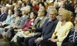 400 de pensionari din Argeş primesc bilete la bǎi