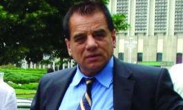 Viceprimarul Piteştiului Cornel Ionică face cinste de ziua lui