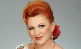 Cristina Turcu Preda cântă colinde la Curtea de Argeş