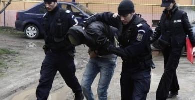UPDATE PERCHEZIŢII ARGEŞ: 5 persoane reţinute, autoturisme si alte bunuri confiscate