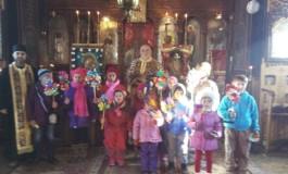 La biserica din Valea Danului colindatorii au ajuns in primele zile ale anului