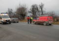Accident în lanţ la Valea Mare Pravăţ! Patru maşini avariate din cauza unui şofer neatent