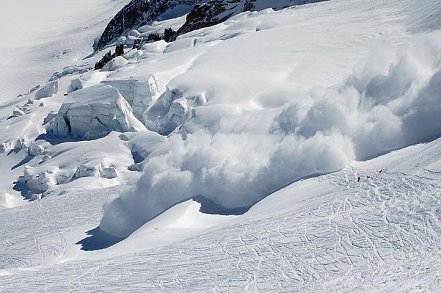 Telecabina de la Bâlea funcţionează din nou dar în Făgăraş e risc ridicat de avalanşă