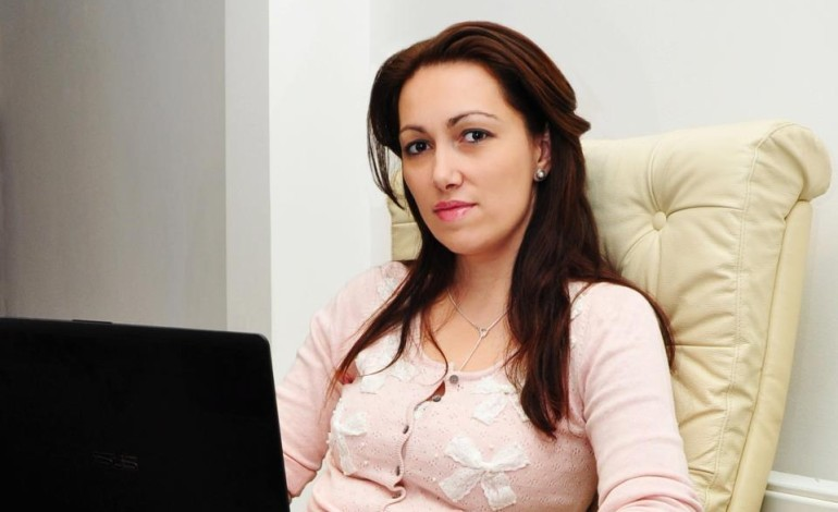 EXCLUSIV ! Camelia Bădulescu : Tecău a agăţat mai multe fete pe facebook !