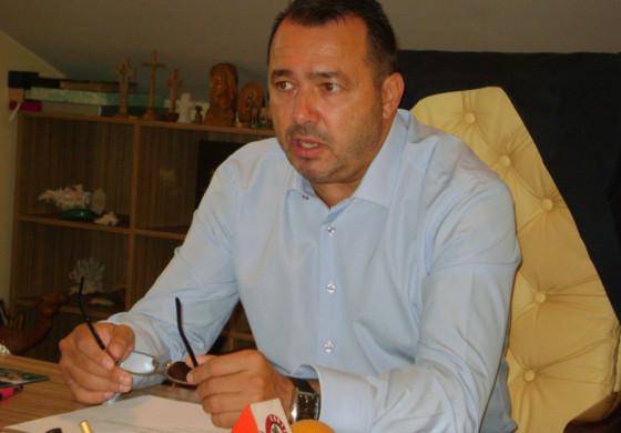 FIERBE PSD ARGEŞ ! Deputatul Rădulescu anunţă ca va face plangere penala împotriva şefului Valeca !