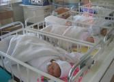 Anul nou a adus, la Câmpulung, doi băieţi şi două fetiţe