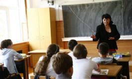 GATA CU FIŢELE ! Profesorii din școli au de-acum un cod de etică pe care trebuie să-l respecte