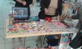 Copiii din Centrul de tip familial Găvana au stand cu obiecte handmade în Galeriile Auchan!