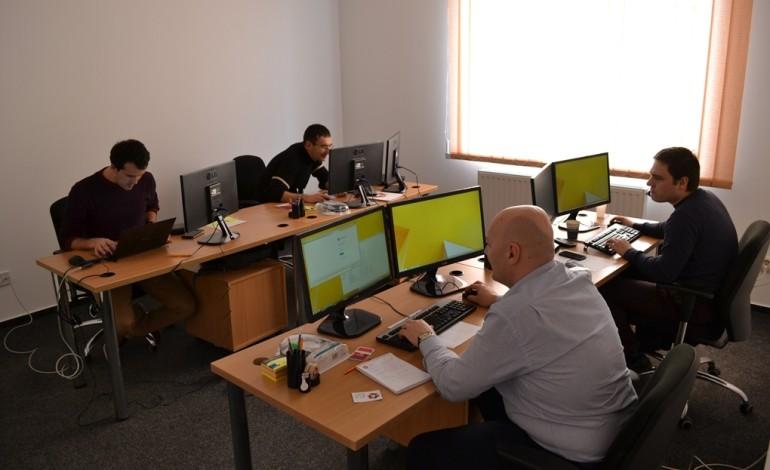 O companie cu capital olandez își deschide un nou centru tehnologic de excelență în România. Se caută programatori români de elită