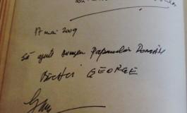 EXCLUSIV!La Curtea de Argeş,Ceauşescu, Becali şi Patriarhul Iustinian şi-au lăsat autografe cu dedicaţie