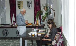 Pictorul Gîrjoabă îşi serbează ziua de naştere într-un mod inedit