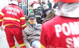 Incendiu puternic la magazinul Vidraru - 2 victime intoxicate cu fum