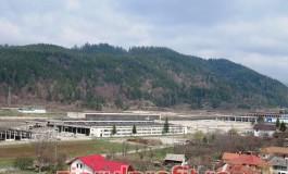 Control degeaba la cele aproape 3.500 de tone de deşeuri de pe fosta platformă ARO Câmpulung