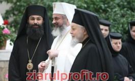 După înjurăturile din biserică, Arhiepiscopia Argeșului a demarat o anchetă şi i-a interzis stareţului Ioasaf să mai ţină slujbe