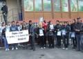 Galerie foto! Sute de oameni au cerut demisia conducerii Spitalului – Medicii vinovati au fost suspendati si nu comenteaza