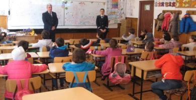 Incepe şcoala – Fǎrǎ autorizaţii, fǎrǎ condiţii