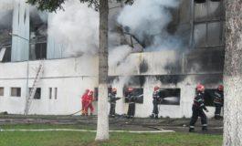 ACUM ! Incendiu la o firmă din Argeş