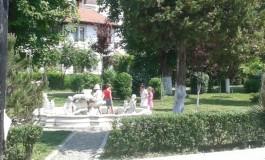 Fantana vandalizata lasata de izbeliste - Pericol iminent pentru zeci de copii