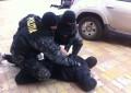 Trei tineri din Mioveni arestati – Au fost prinsi in flagrant vanzand canabis