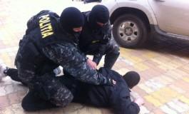Perchezitii de amploare in Argeş si alte judete !  93 suspecti de fraudă informatică şi spălare de bani