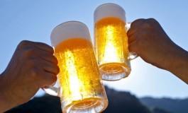 Lovit de 11 ori cu halba de bere in cap - se zbate intre viata si moarte