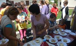 Cadrele militare au vizitat copiii cu dizabilitati