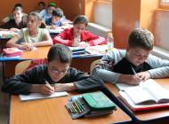 Brambureală în învăţământ! Ministerul educaţiei ar trebui să-mpartă gratuit pastile antistres pentru părinţi