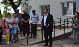 21 de familii s-au mutat în noile locuinte reabilitate la Mioveni