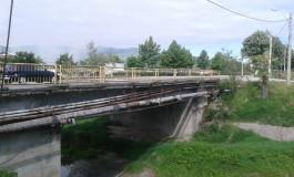 Pentru cǎ nu mai sunt bani la buget -Rugaţi-vǎ sǎ nu se rupǎ podul pânǎ anul viitor