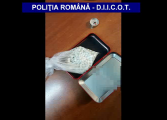 VIDEO! Arme, droguri si masini confiscate astazi de procurori in Arges