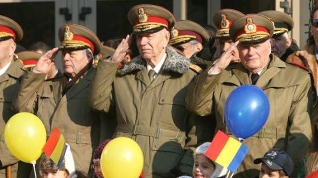 Militarii, obligati din nou sa poarte uniforma in drum spre serviciu