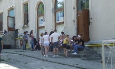 Consiliul Elevilor de la Vlaicu vine cu lamuriri - Elevii prinsi copiind la BAC erau de la alte scoli