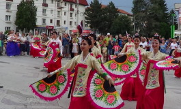 """Festivalul Internaţional de Folclor """"Carpaţi"""" a adus culoare şi la Câmpulung Muscel"""
