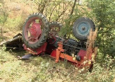 ACUM! Barbat strivit de tractor - Intervine descarcerarea