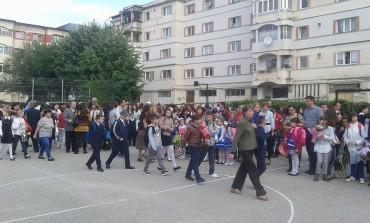 In Argeş şcoala începe cu mai puţini elevi - E criză în licee!