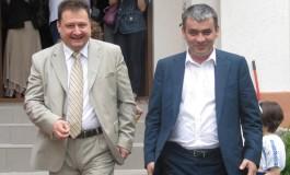 Pentru a câştiga capital electoral Mircea Andrei se ia la trântă cu băncile
