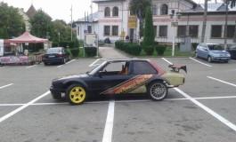 Expozitie cu... o masina echipata pentru drifturi