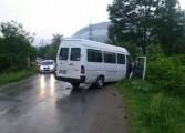 Carnagiu in Arges - 3 morti intr-un accident dintre un microbuz si un Matiz
