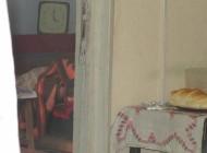 Moarte suspecta la Campulung - Cadavru gasit in apartament