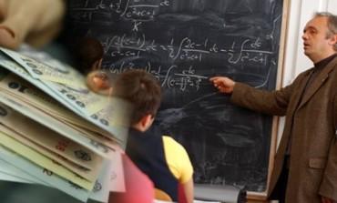 Dupa doua luni de asteptare - Profesorii din Curtea de Arges vor lua salariile miercuri