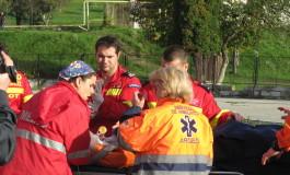 Pacientii supraponderali, carati de pompieri la ambulante