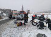 GALERIE FOTO - 5 VICTIME in accidentul de la Merisani ! Un Ford si o Dacia s-au făcut zob