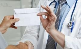 Cine sunt cele trei infirmiere de la Spitalul Judeţean din Piteşti reţinute pentru luare de mită UNA DIN ELE VISA BANI